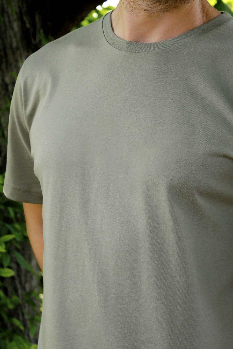 camiseta verde olivo basica
